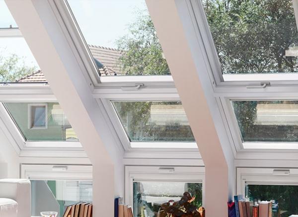 Комбинации с наклонными нижними элементами и карнизными окнами